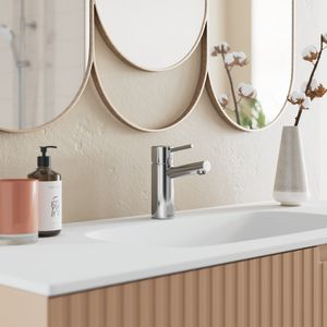 Osier Medium håndvaskarmatur med bundventil